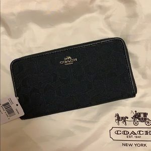 COPY - Coach black Fabric Signature series wallet